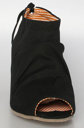 Georgie Handkerchief Tie Hidden Wedge in Black